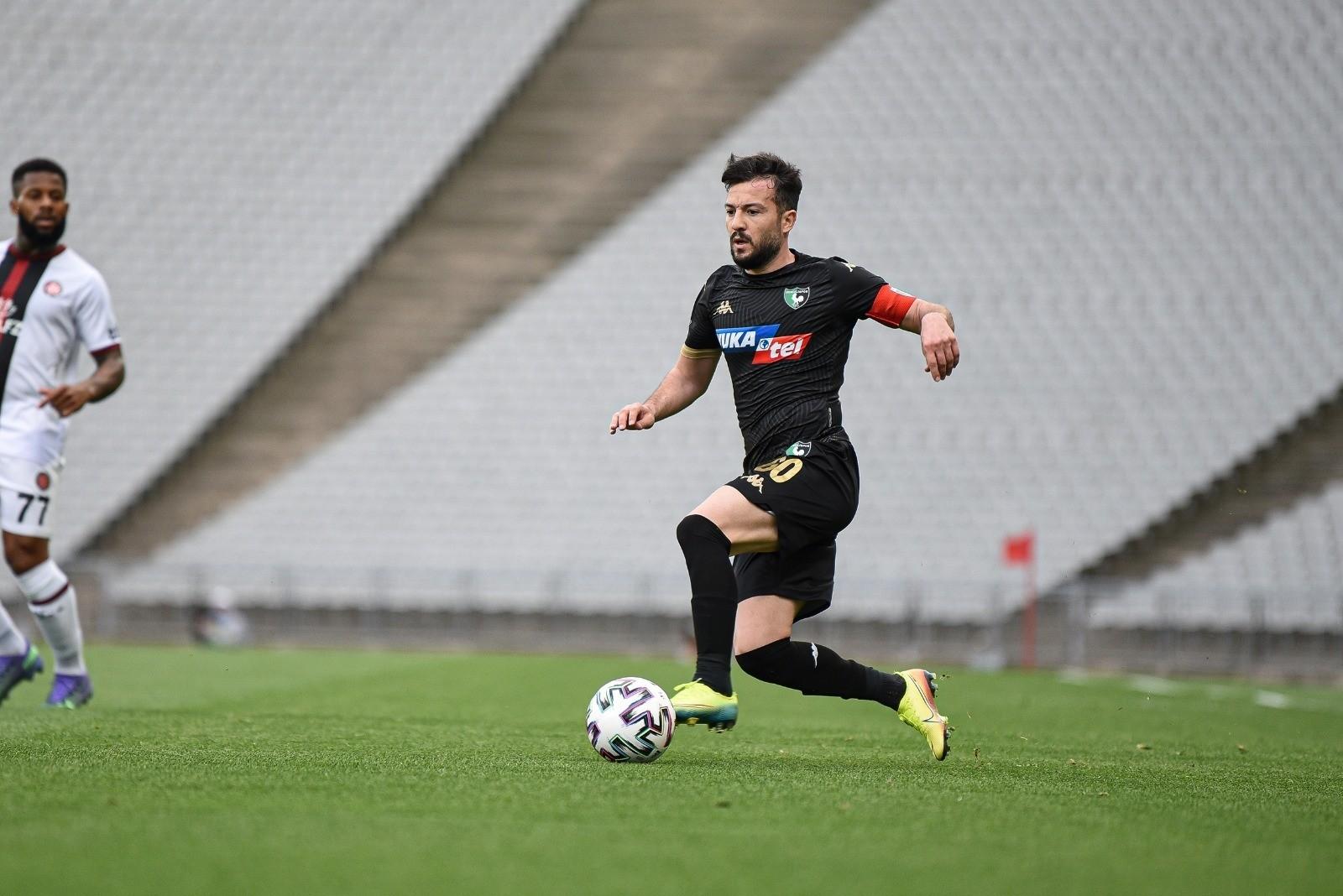 Denizlispor'dan ayrılacak 4 futbolcunun ismi netleşmeye başladı