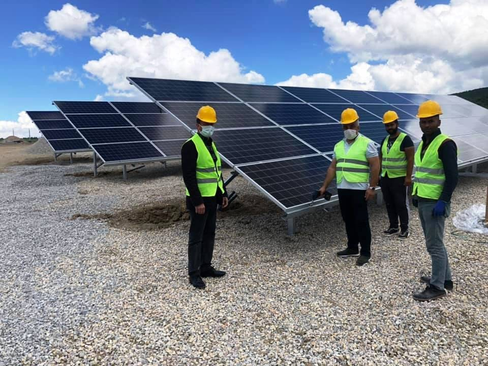 Hisarcık'ta güneş panellerinin montaj işlemlerine başlandı