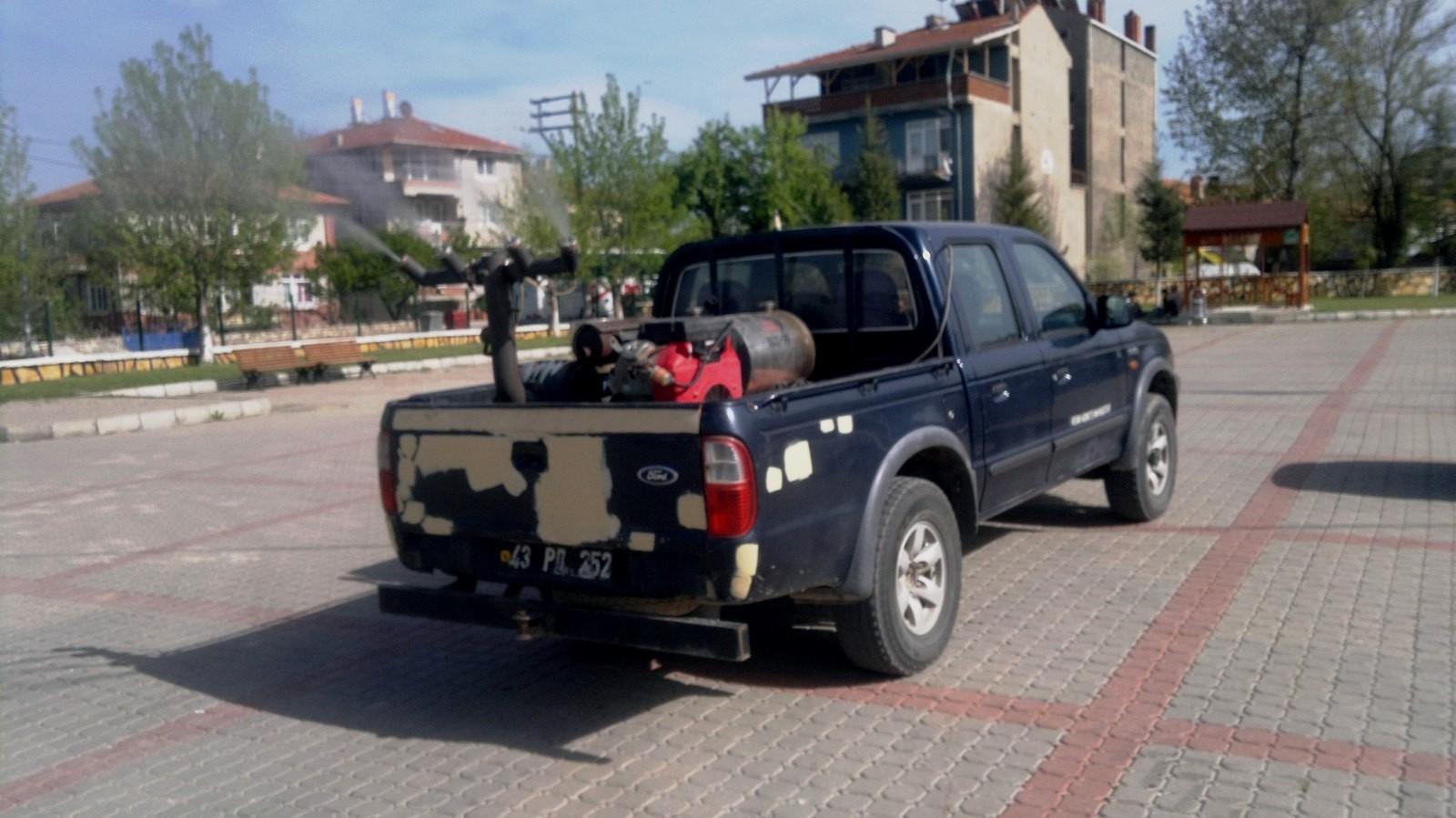 Hisarcık'ta haşere ilaçlama çalışması